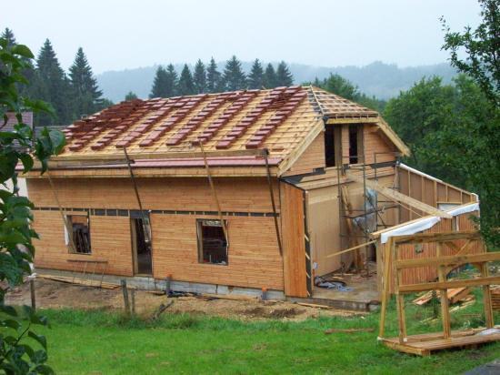 la toiture va recevoir les tuiles